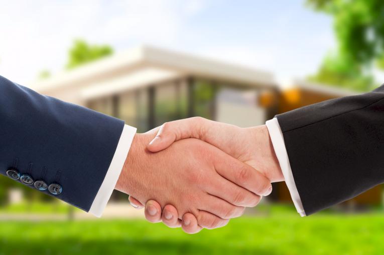 Mit phi zum erfolgreichen Immobilienverkauf! Unser Service für Verkäufer