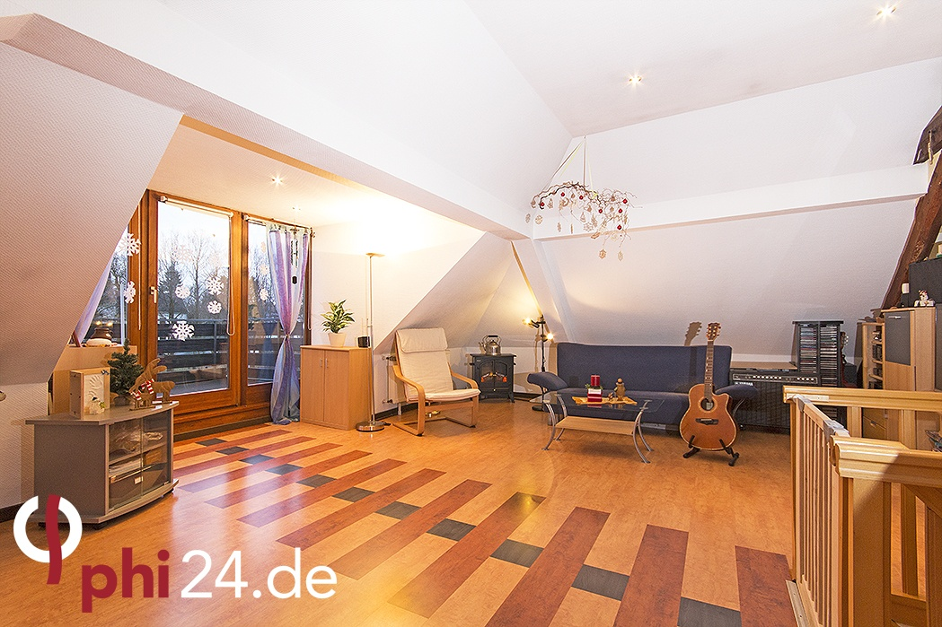 phi aachen erlesene maisonette mit zwei sonnenverw hnten balkonen in beliebter lage von. Black Bedroom Furniture Sets. Home Design Ideas
