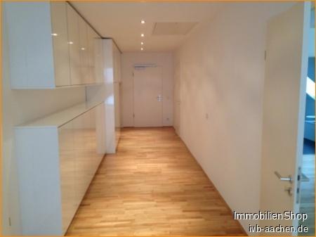 Immobilienmakler Aachen DG-Wohnung mieten mit Immobilienbewertung