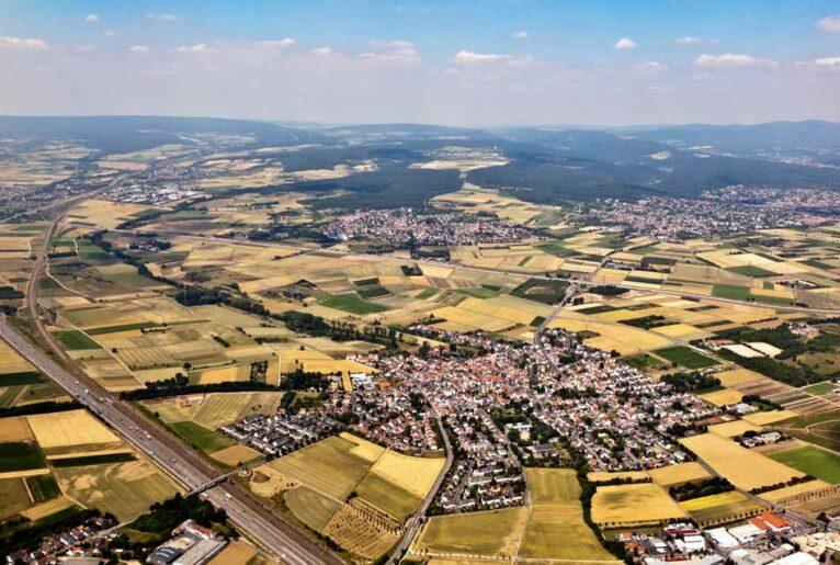 Grundstück geerbt? Luftaufnahme Landschaft